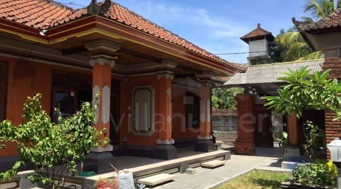 Traditional 3 Bedrooms House in Sanur